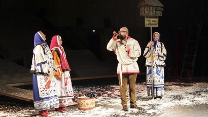Вниманию зрителей свои работы предложили 16 театральных коллективов, три из которых - из ближнего и дальнего зарубежья: Беларуси, Германии и Турции