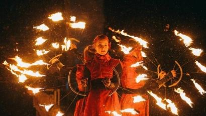 Эпилогом яркой церемонии открытия чемпионата России стало файер-шоу...