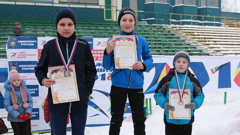 Главные участники ледовых стартов – школьники