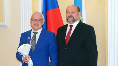 Звание «Почётный работник пищевой индустрии Архангельской области» присвоено Владимиру Петрову