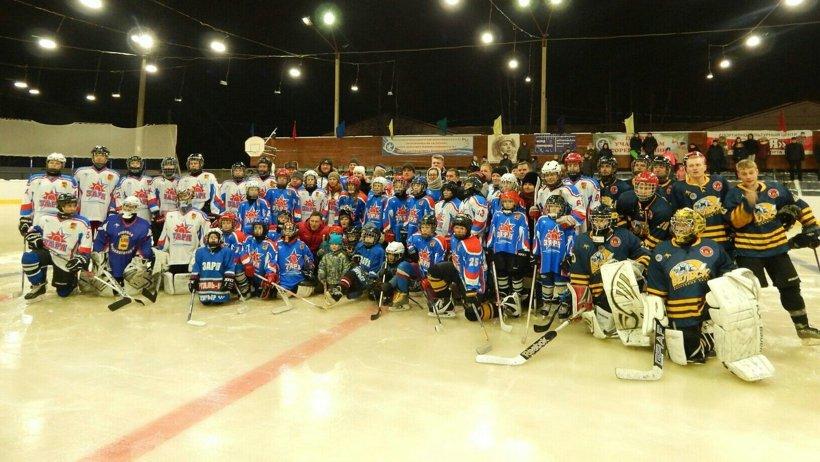 Новый хоккейный корт в Вельске построен в рамках «губернаторского проекта»
