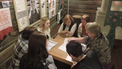 Участники семинара работали над предварительными вариантами проектов — определили цели, задачи, календарный план / Фото: vk.com/kenozerolife