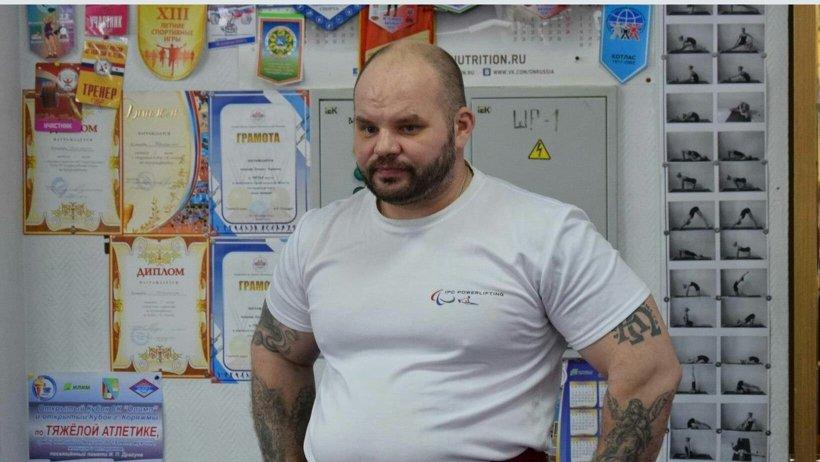 Победитель Кубка В.И. Дикуля в категории свыше 107 кг Александр Самойлов