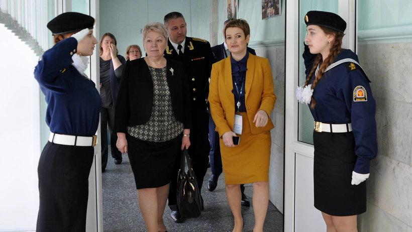 Глава федерального ведомства между мероприятиями арктического форума нашла время для знакомства с учреждениями образования Архангельской области